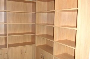 Passendes Bücherregal in Dekorplatte Apfel mit Home- Office rechts